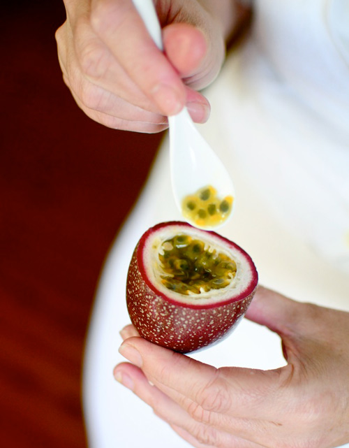 Panama-Passionfruit-with-spoon