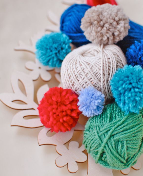 How-to-make-a-pom-pom-close