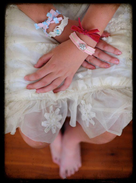 Master-ribbon-bracelets-how-to