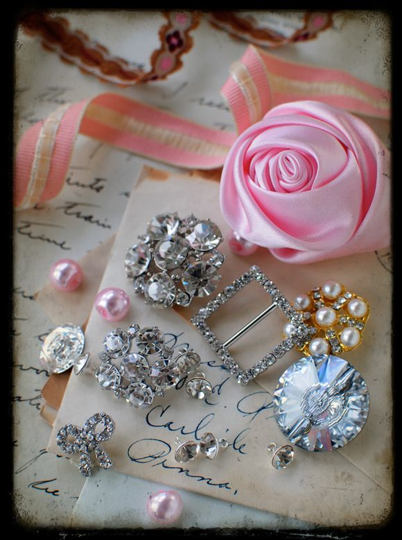 Ribbon,-buttons,-old-letters-lighter