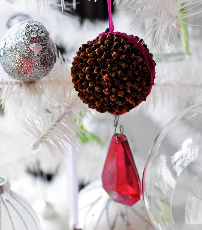 Christmas-pomander-ornament
