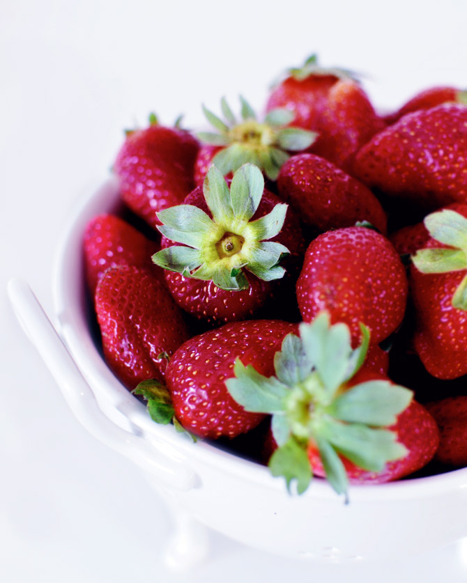 Strawberries-in-a-bowl