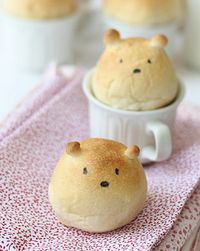 Bread-bear-rolls-from-LRF-blog
