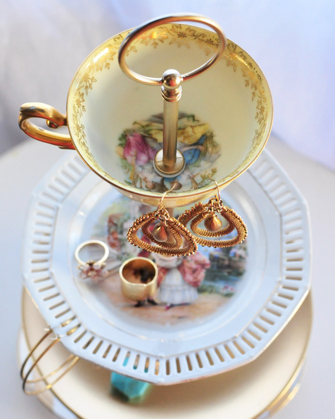 DIY-vintage-cup-and-plate-jewellery-stand ... & go make me how to make a jewelry or cake stand / diy project - Go ...