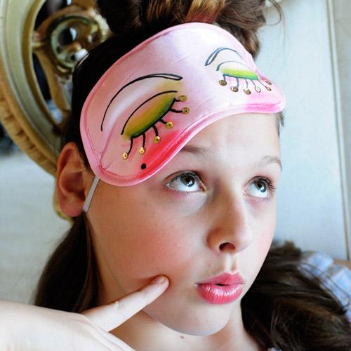 Go-Make-Me-Eye-Mask-How-to-craftgawker