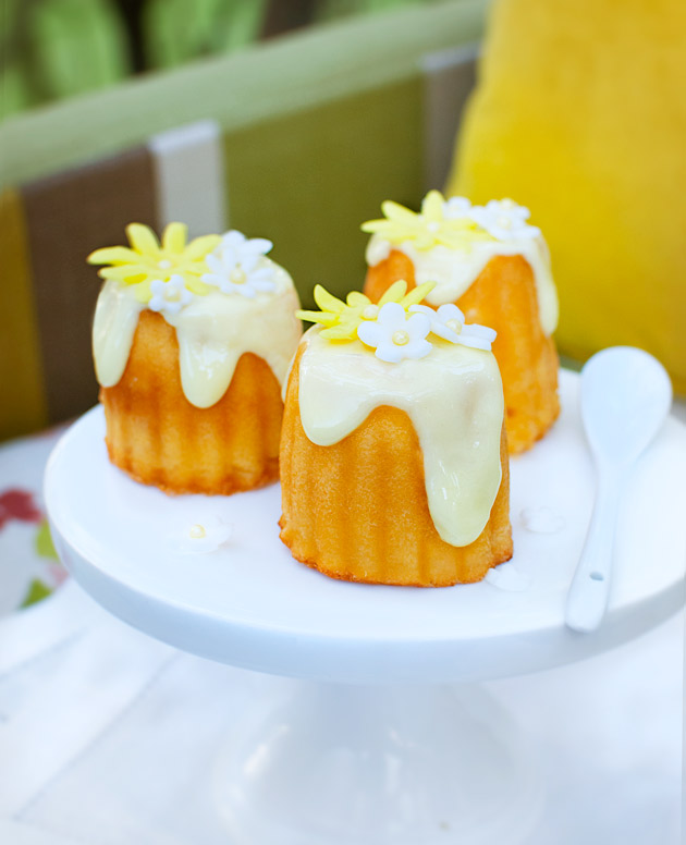 Lemon-curd-custard-cakes