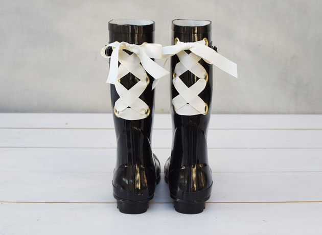 Gumboots-diy-with-ribbon