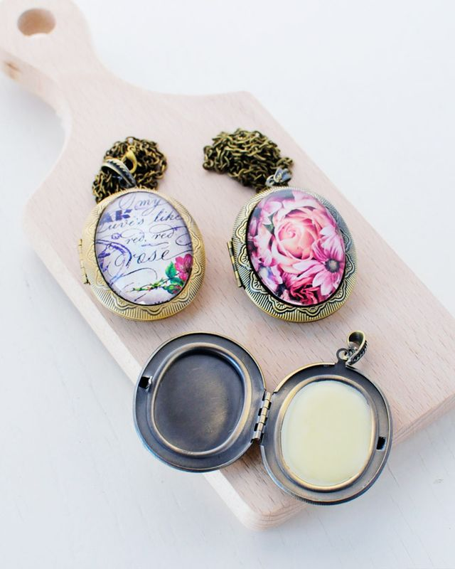 Solid-perfume-lockets