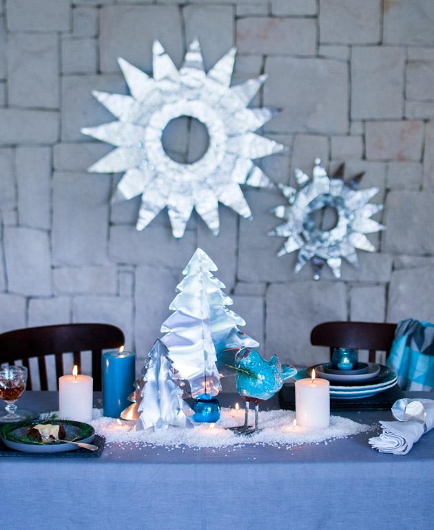 table setting with metallic christmas trees - Aluminium Christmas Tree