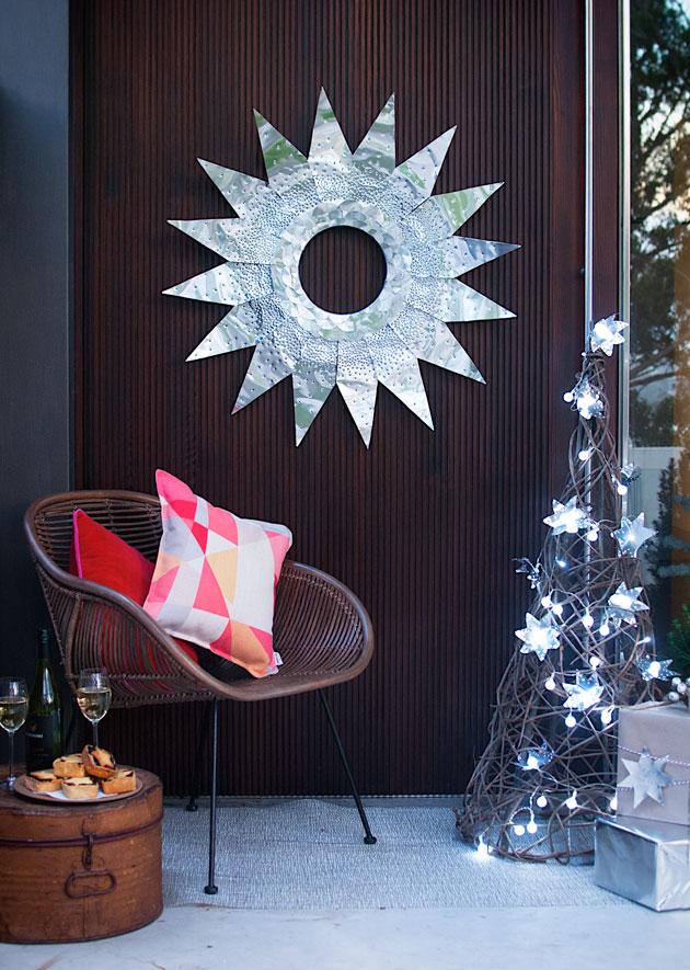 Lit-Metal-wreath